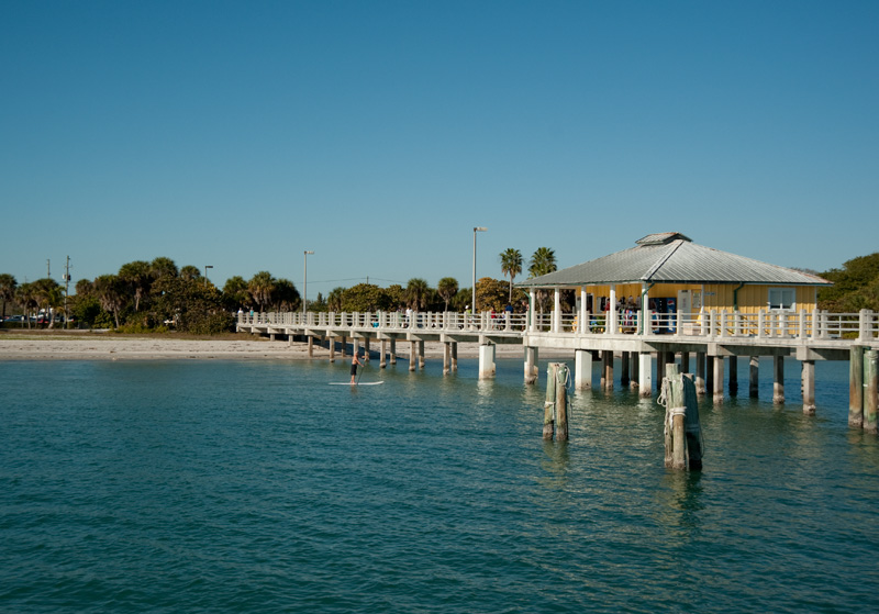 Florida travel tip beautiful beaches at fort de soto for Fort desoto fishing pier