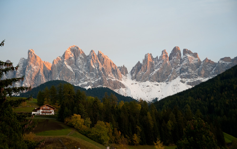 Dolomites-Sunset-in-Fall